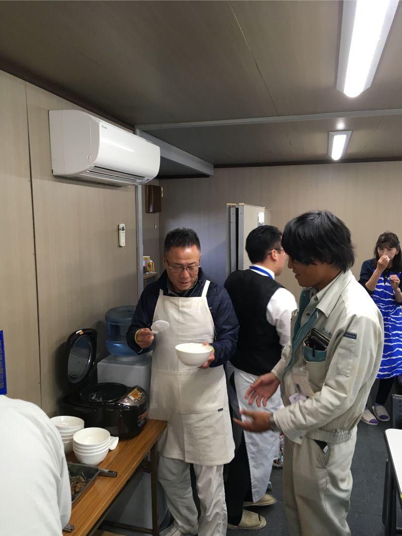 社長による配膳③